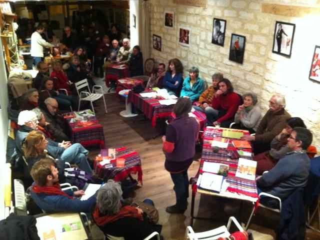Un aperçu de l'ensemble des personnes présentes à l'apéro-nef du 14 janvier 2013.